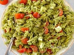Easy Caprese Pesto Pasta Salad Recipe