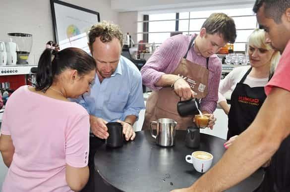 training untuk barista pemula dan usaha warung kopi