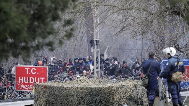 Στα ελληνοτουρκικά σύνορα 13.000 πρόσφυγες και μετανάστες