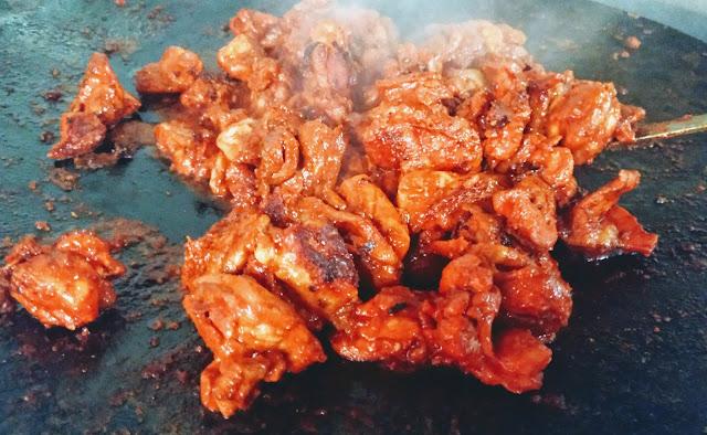 Cooking chicken Tikka using heavy cast iron skillet