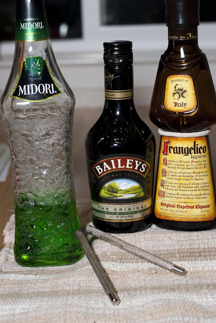 Nutcracker, Nutcracker shot, Nutcracker cocktail, christmas cocktail, christmas shot, Baileys, Irish cream liqueur, Midori, melon liqueur, Frangelico, hazelnut liqueur