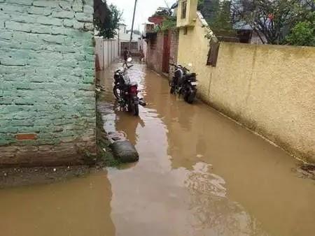 Dehradun News: नंदा की चौकी की गलियों में बारिश से जलभराव