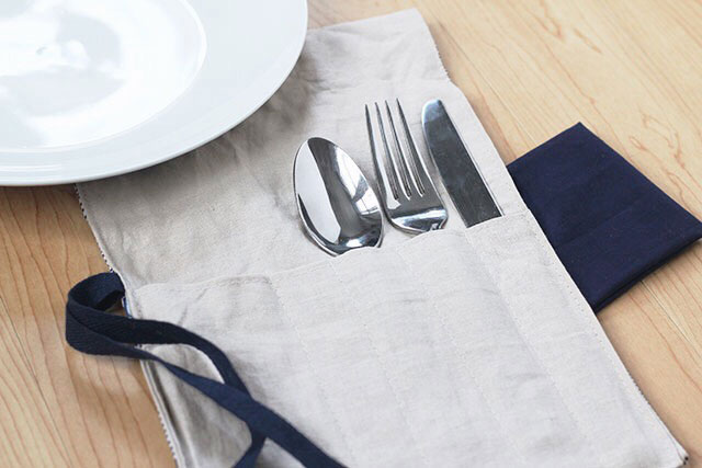 DIY Utensil Holder: Handmade carrier for your silverware. Learn how to make your own with this step-by-step tutorial.