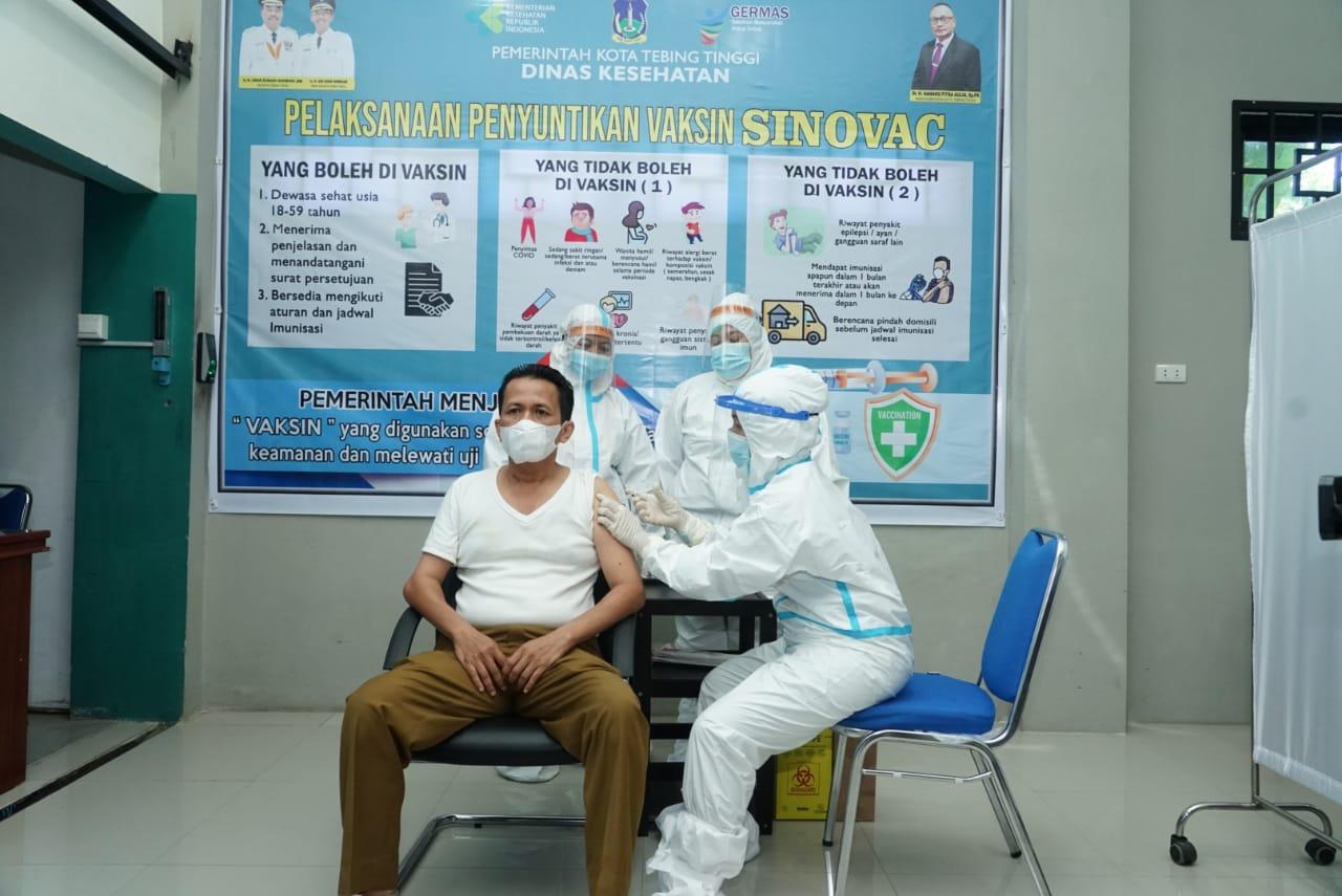Kota Tebingtinggi Melaksanakan Vaksinasi Covid-19 Perdana