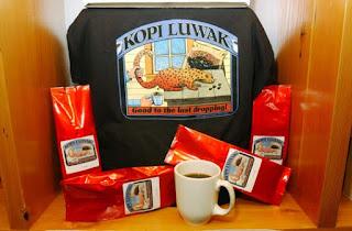 La bebida más consumida del mundo es el cafe. El café más caro del mundo es el Kopi Luwak