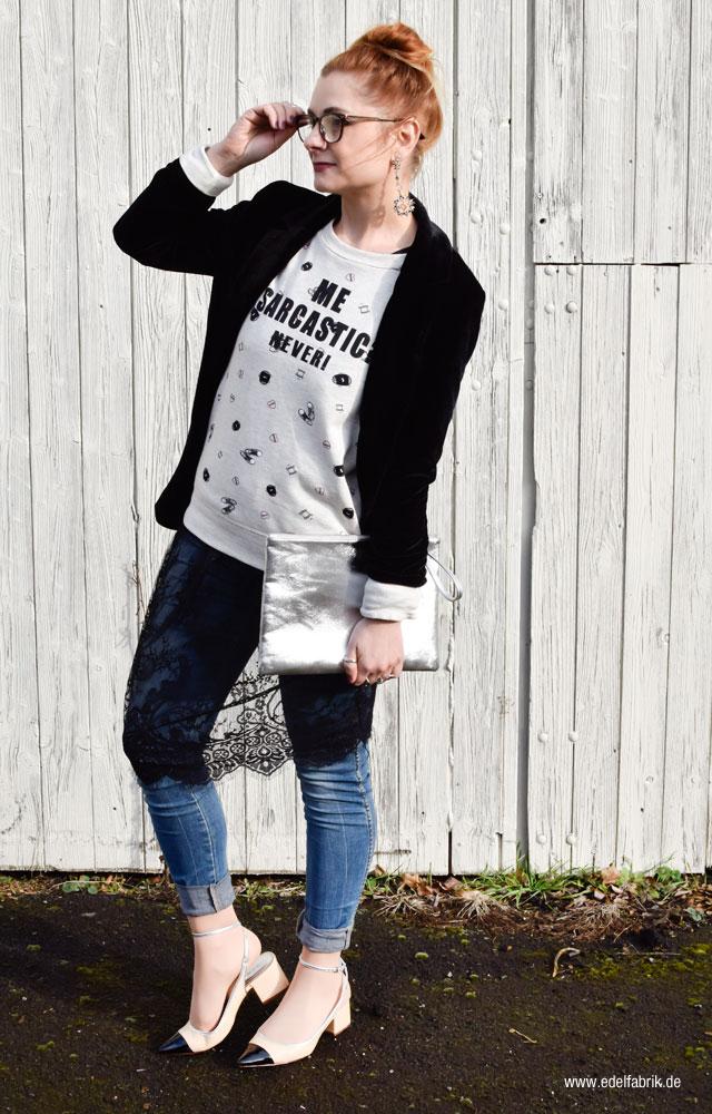 Lagenlook mit Kleid über Jeans