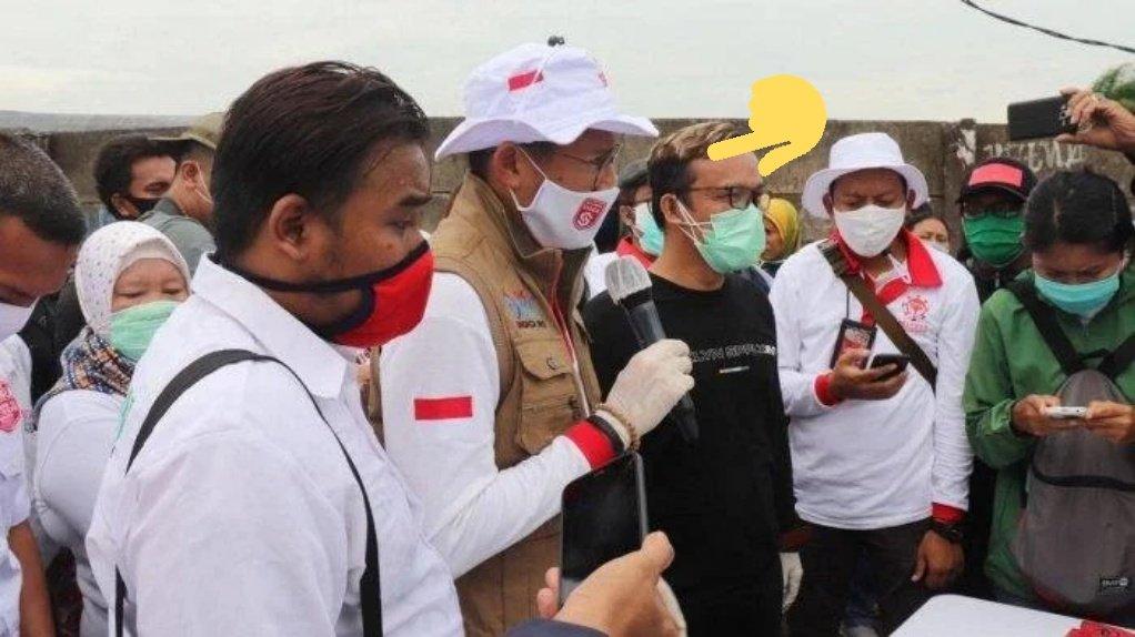 Barisan Sakit Hati Meradang, Sandi Uno Bagi-bagi Sembako di TPA Bantargebang Bersama Jokowi Mania