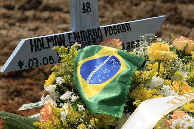 Brasil corre risco de terceira onda de Covid 'muito pior' neste ano, apontam especialistas