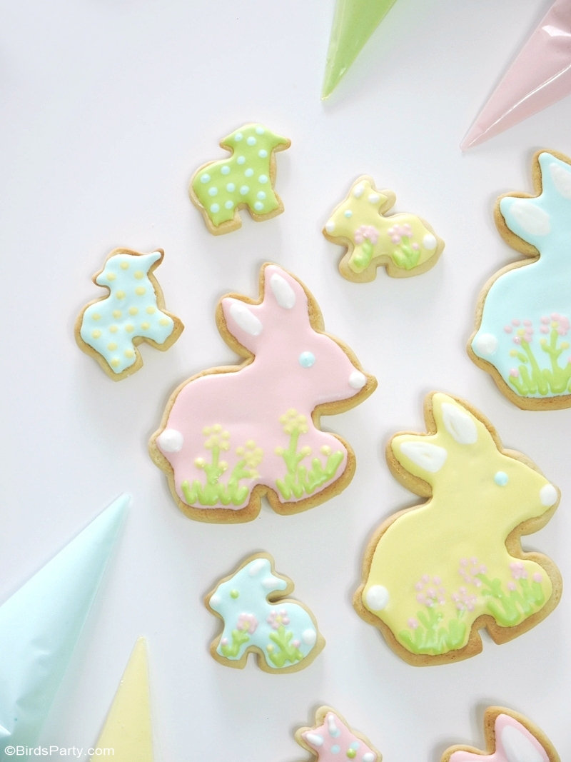Easter Pastel Decorated Sugar Cookies - easy recipe for adorable pastel-colored cookies to serve at Easter or spring party or as party favors! by BirdsParty.com @birdsparty #easter #eastercookies #decoratedcookies #sugarcookies #eastersugarcookies #easterdecoratedcookies #recipe