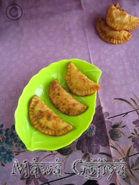 mawa-gujiya-recipe