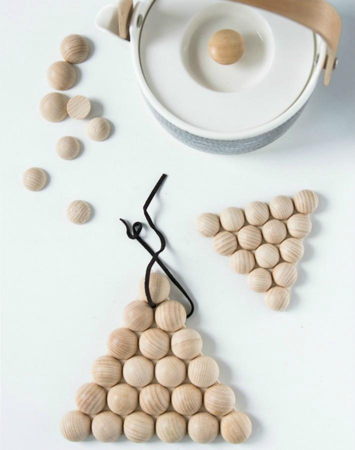 6 diy de diseño escandinavo con bolas de madera