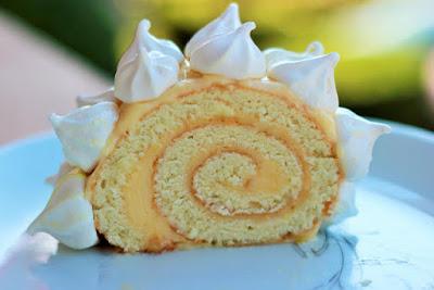 http://camelie-camelie.blogspot.fr/2015/12/buche-de-noel-comme-une-tarte-au-citron.html