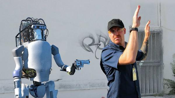 """فيديو جديد لروبوت بوسطن ديناميكس """"Atlas"""" يصيب المتتبعين بالرعب!"""