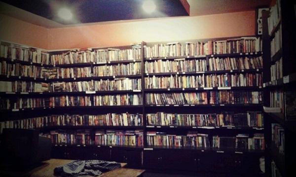 Kafe Buku Tempat Baca Buku Yang Enak Di Jakarta Dan