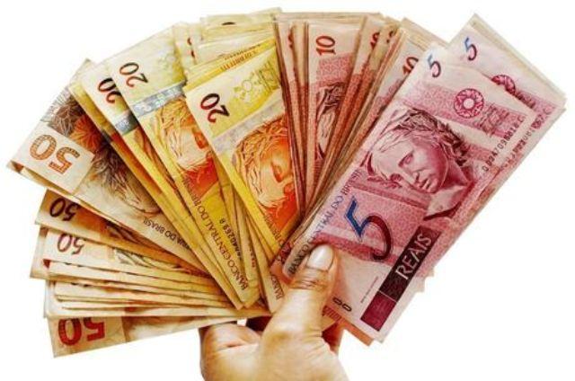 Congresso aprova Orçamento com salário mínimo de R$ 1.031 em 2020