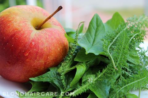 Świeży sok z jabłka, szpinaku i krwawnika | dla zdrowia & urody - czytaj dalej »