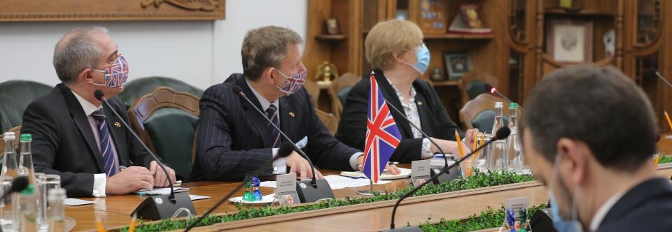 У Міноборони обговорили з представниками Великої Британії реалізацію проєкту ракетних катерів