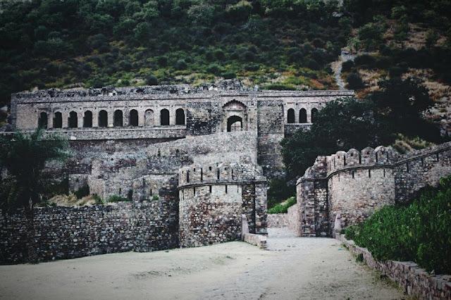 curse-bhangarh-fort