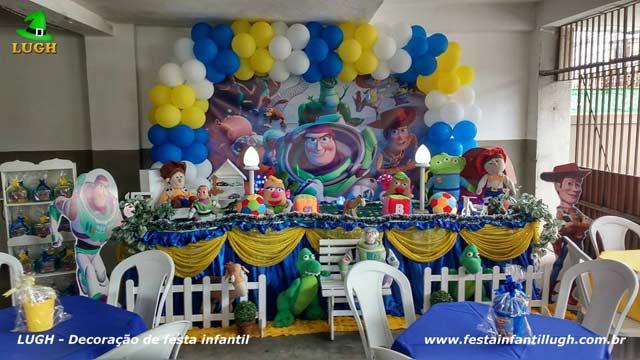Decoração de aniversário  para festa masculina - Mesa tradicional luxo de tecido - pano - tema Toy Story