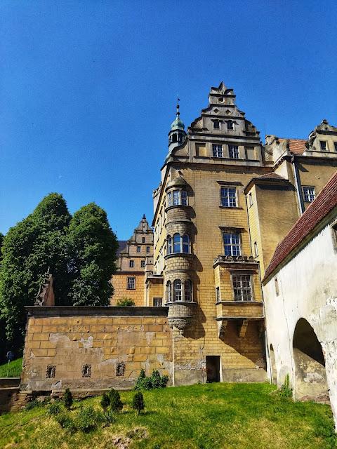 zamek w Oleśnicy, okolice Wrocławia, co zobaczyć
