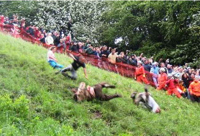 Cooper's Hill Cheese-Rolling - Gloucester, Inggris