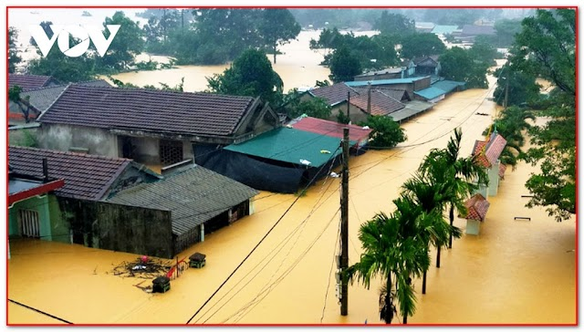 Essay - Memorable day in my life, Flood in the middle of Viet Nam