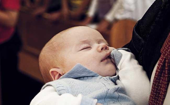 menidurkan bayi