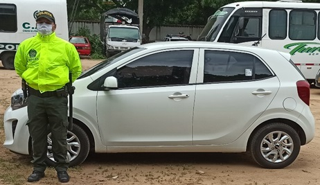 https://www.notasrosas.com/Seccional de Investigación Criminal  recupera automóvil y camioneta hurtados en Valledupar