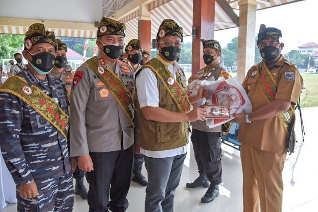 Salurkan bansos, Bang Zul apresiasi Kapolda NTB