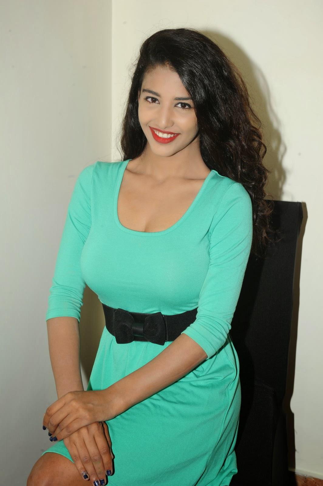 Hot stylish Daksha nagarkar in hot dress photo