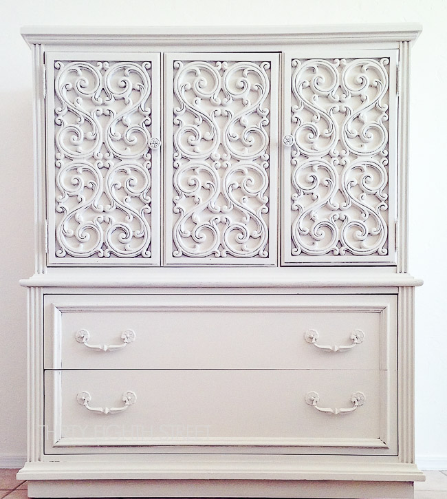 white milk paint, how to paint furniture, how to use milk paint, milk paint tutorial, diy painted furniture, painting furniture, chalk paint