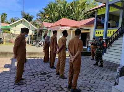 Pimpin Apel Pagi Di Desa Binaan, lni Arahan Babinsa Koramil 04/Meureubo Kepada Aparatur Desa
