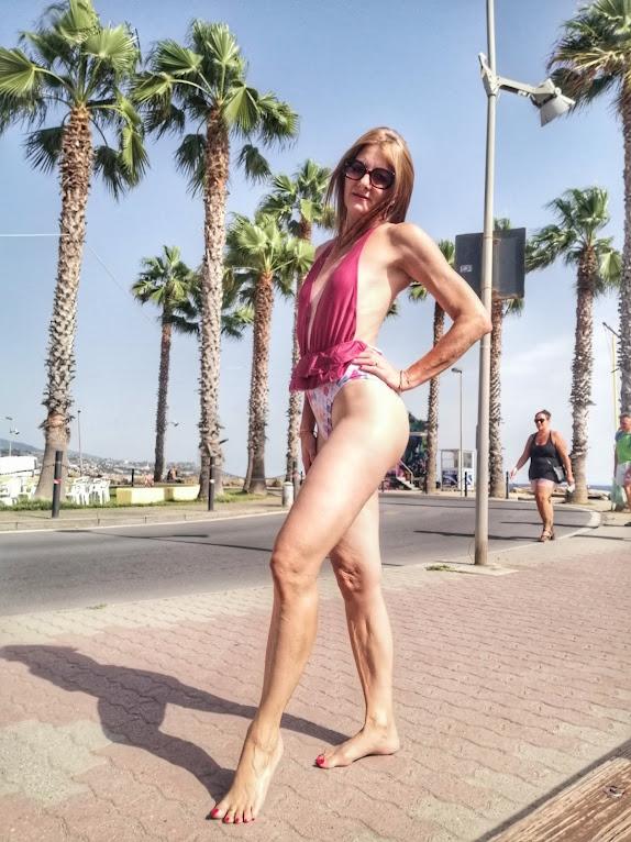influencer top beachwear
