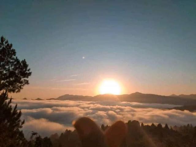 wisata negeri di atas awan desa kambuno