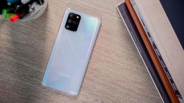 4. Samsung Galaxy S10 Lite