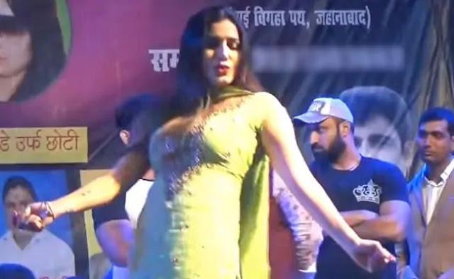 Sapna Choudhary Dance Video: सपना चौधरी का डांस वीडियो हुआ वायरल