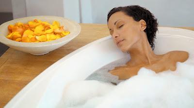 زيت البرتقال يهدئ الجسم والتخلص من الاكتئاب