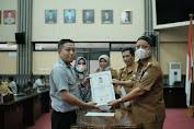Usai Ikut Bimtek, Staf Khusus Anggota DPRD Makassar Tandatangan Pakta Integritas
