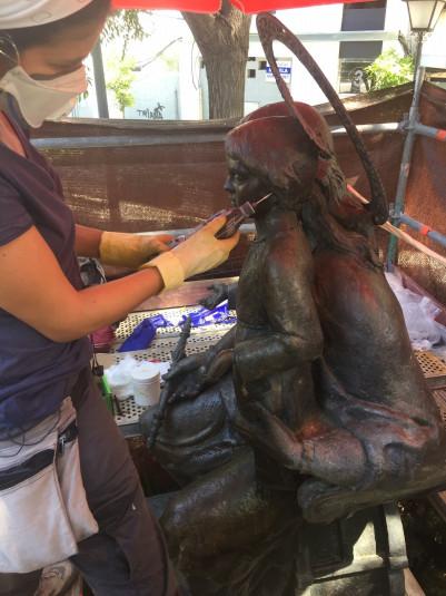 El Ayuntamiento culmina la restauración del monumento a María Auxiliadora de Triana