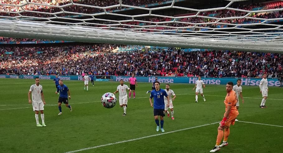 Extra time is being played in the Euro 2020 semi-final match between Spain and Italy.