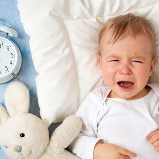 रात में बच्चे को वक्त पर सुलाने के लिए करें ये काम, हो जाएगी हर मुश्किल आसान