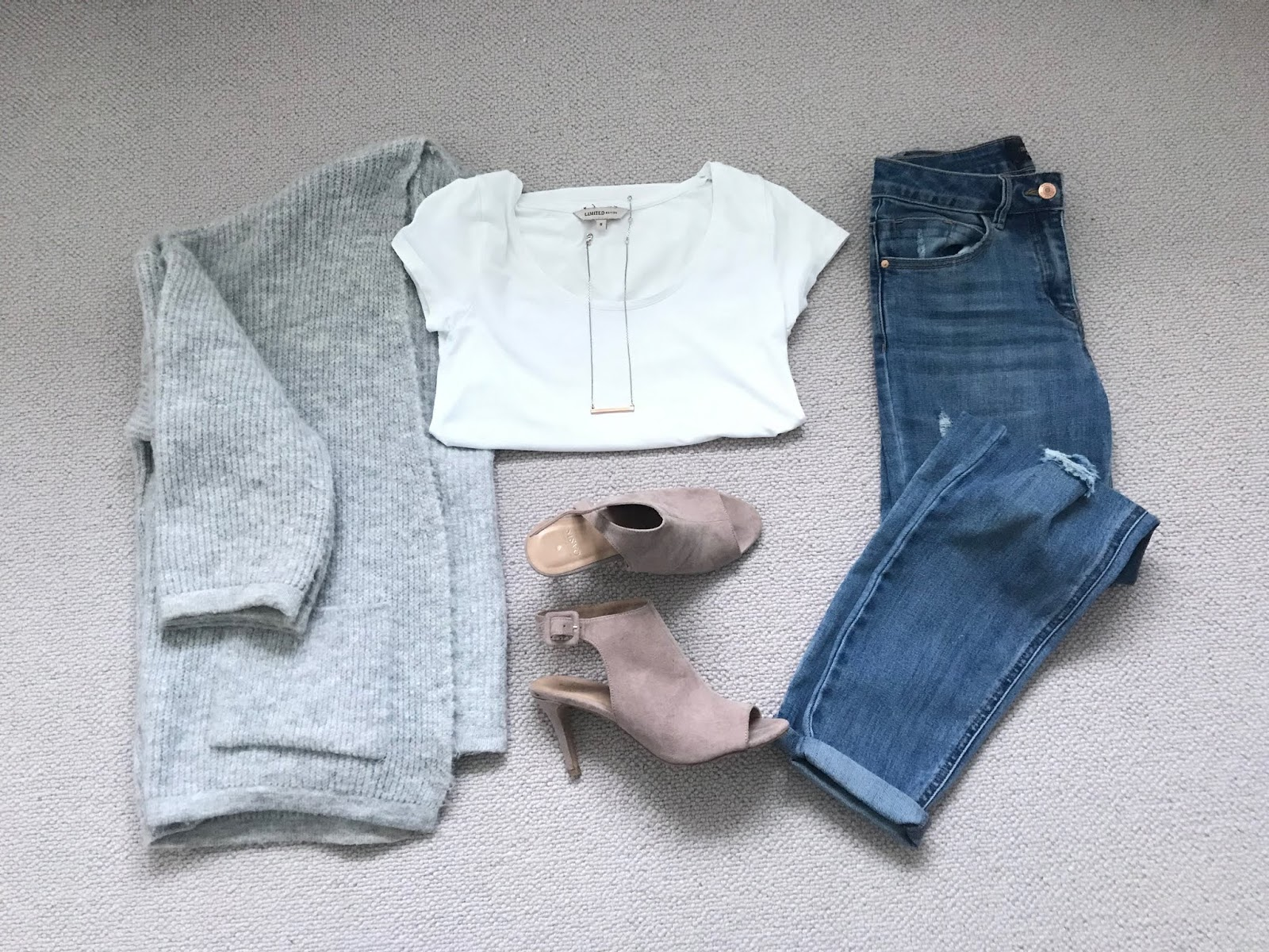 Smart casual spring outfit
