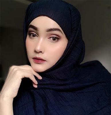 Dafina Jamasir Pakai Hijab