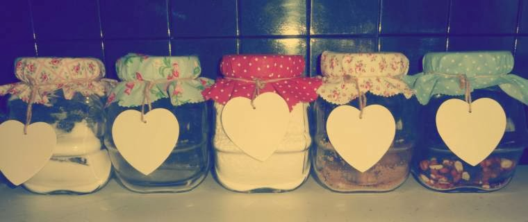 Vintages Style DIY Jars Covers: How To Make Some