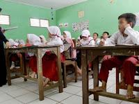Mulai Bulan Depan Gaji Guru Honorer Naik, Swasta Juga