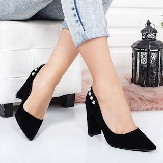 Pantofi Cemis negri cu toc gros din piele eco intoarsa cu perle