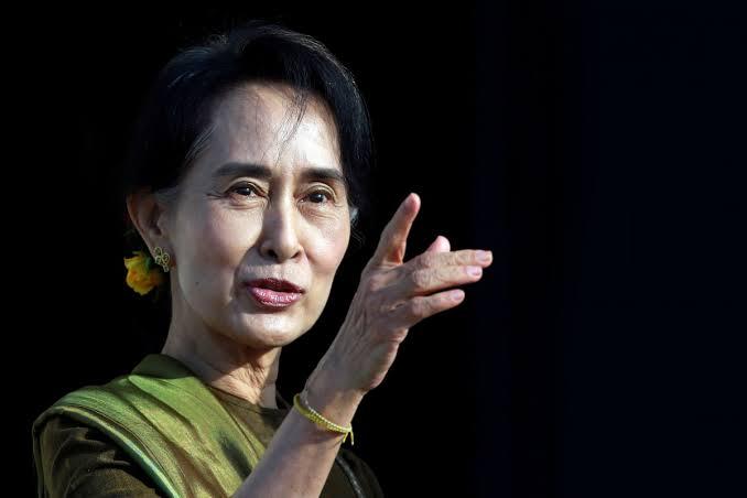Parlemen Uni Eropa Mencabut Suu Kyi Dari Penerima Nobel Perdamaian