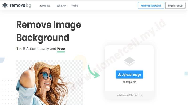 hapus background online di remove.bg
