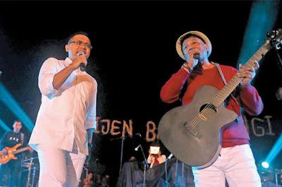 Duet Bupati Banyuwangi dan Andre Hehanusa dalam Jazz Ijen Banyuwangi 2015.