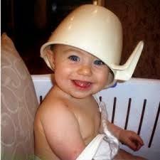 bayi tertawa lucu